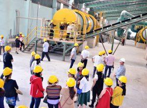 Đoàn khách Lâm Đồng – Kon Tum về Tham quan Nhà máy phân bón Long Mỹ