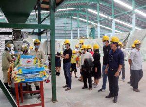 Đoàn khách Miền Tây – Bình Phước – DakLak – DakNông về Tham quan Nhà máy phân bón Long Mỹ